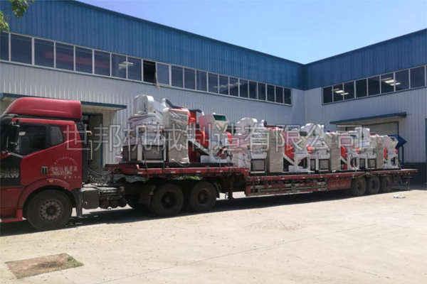 深圳用户大型铜米机发货现场