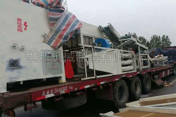 线路板分离回收设备发货现场